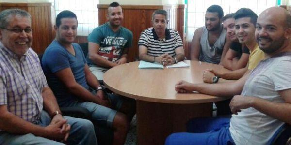 Reunión de Víctor Sanginés con los grupos de comparsas