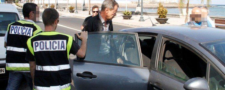 Carlos Sáenz, en el momento de su detención en el caso Montecarlo