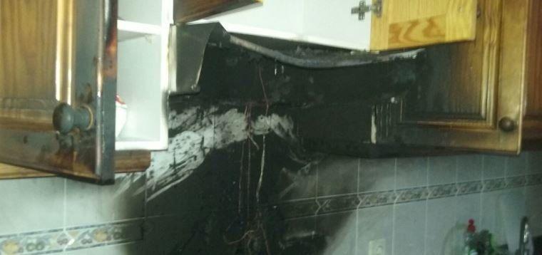 Extinguido un incendio en la cocina de una vivienda en arrecife sucesos la voz de lanzarote - Esquelas el mueble melide ...