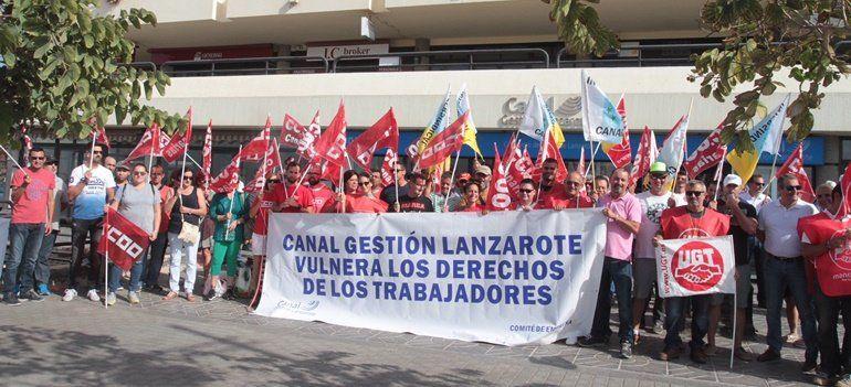 Trabajadores de canal protestan ante la oficina de la for Oficinas fred olsen