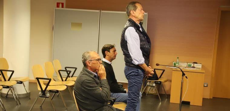 Carlos Sáenz, el ex edil Pedro Reyes y el empresario José Daniel Hernández aceptan una condena de dos años de prisión - La Voz de Lanzarote