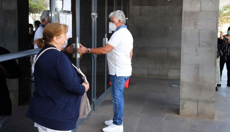 El ex concejal Marcial Valiente, entrando a los Juzgados para declarar como testigo